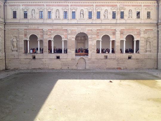 Efrem Raimondi iPhonephotography. CHIOSTRI DI SAN PIETRO