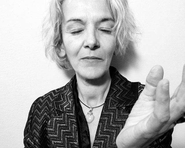 Dana de Luca by Efrem Raimondi